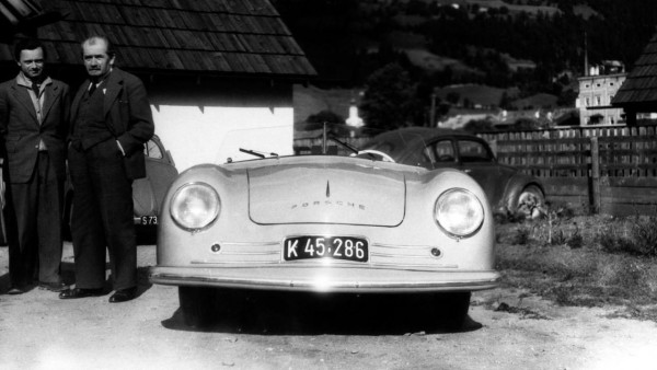 2009-183063-ferry-porsche-centre-his-father-ferdinand-porsche-right-and-erwin-komenda-lef1