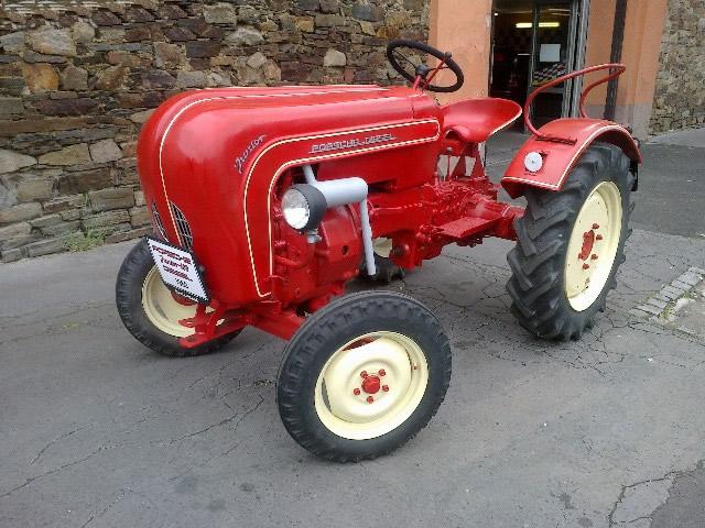 traktor porsche 108 junior na prodej. Black Bedroom Furniture Sets. Home Design Ideas